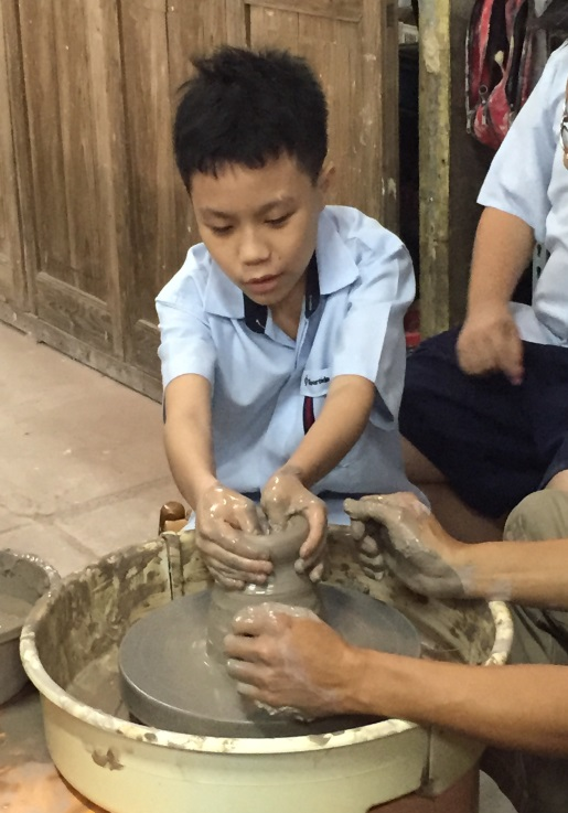 Molding-Chinese Pottery Making.jpg